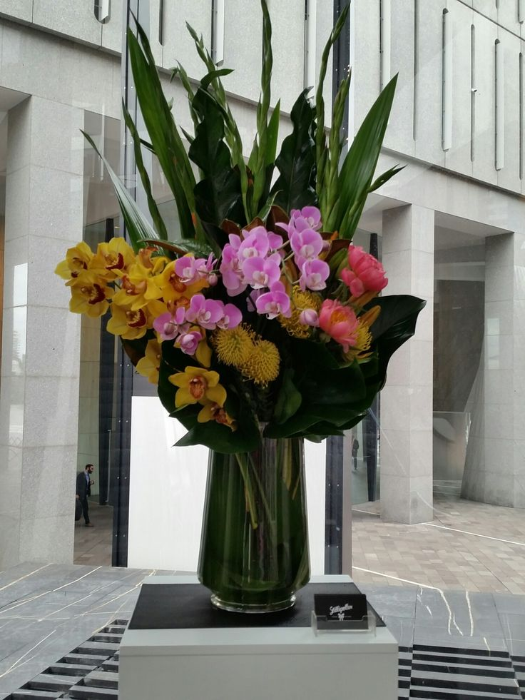 Need some florals to brighten your reception area? We deliver corporate arrangements to our Brisbane CBD clients every Monday. To enquire, email design@lillipollen.com.au