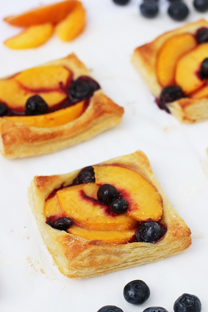 The easiest and yummiest Peach Tart Recipe to make!