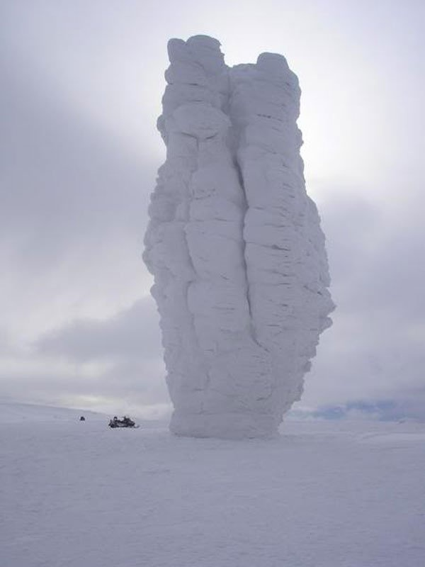 Man Pupu Nyor – located in Komi Republic, in the part of Ural Mountains of Russia. Man-Pupu-Nyor meaning little mountains of the GOD is the formation of seven rocks. These seven pillars range from 30 to 42 meters tall.
