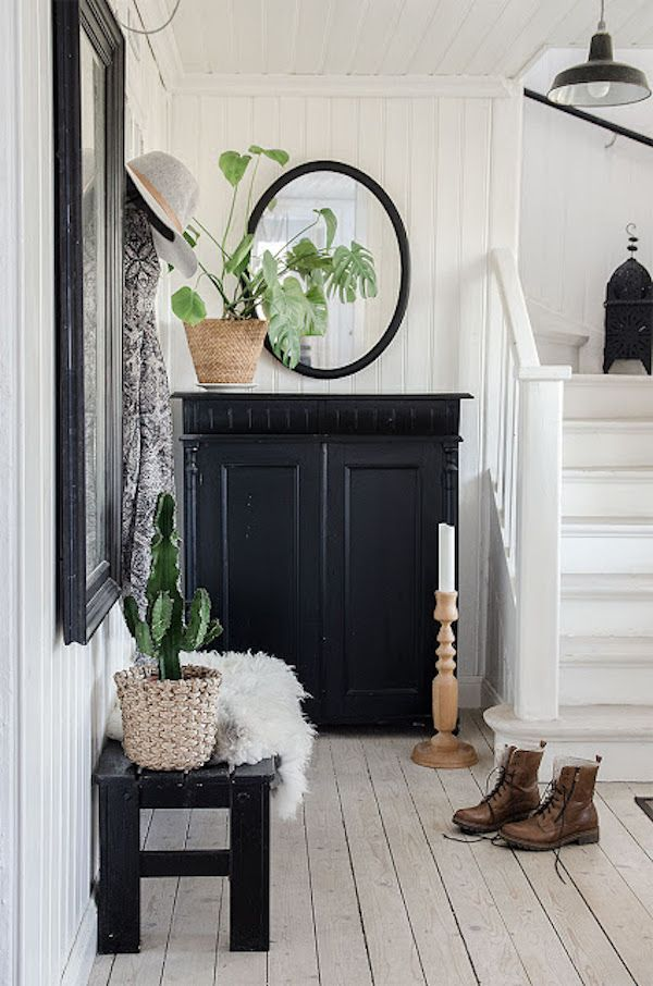 The Beautiful Swedish Country Home Of Interior Stylist Anna Truelsen. ::  Black And White Interiors Decorating Part 90