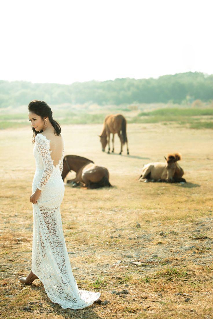 act like lady, work like a horse #rustic #rusticwhite #sexyback #horse #gloomy