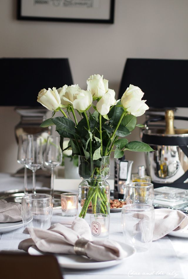 Table setting in Paris #paris #tablesetting #interior #roses  http://divaaniblogit.fi/charandthecity/2015/01/03/uuden-vuoden-kattaus-pariisi/