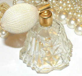 Vintage Cut Glass Perfume Bottle w/Atomizer Italy Vintage Glass Bottle Collectible Glass Bottle  https://www.etsy.com/listing/125512643/vintage-cut-glass-perfume-bottle