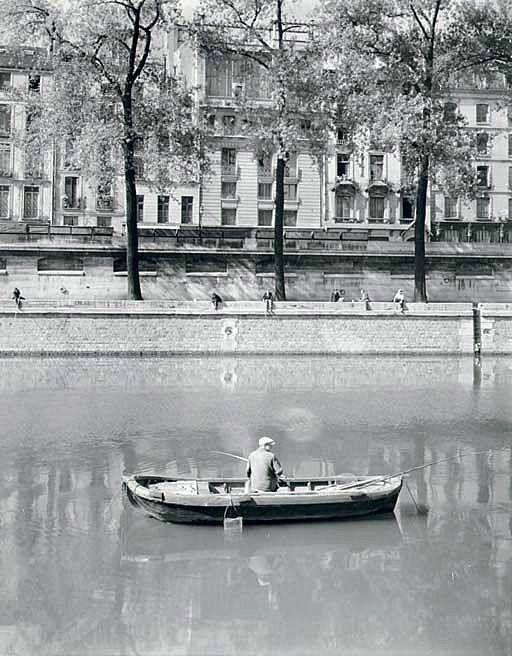 Partie de peche sur la Seine en 1950