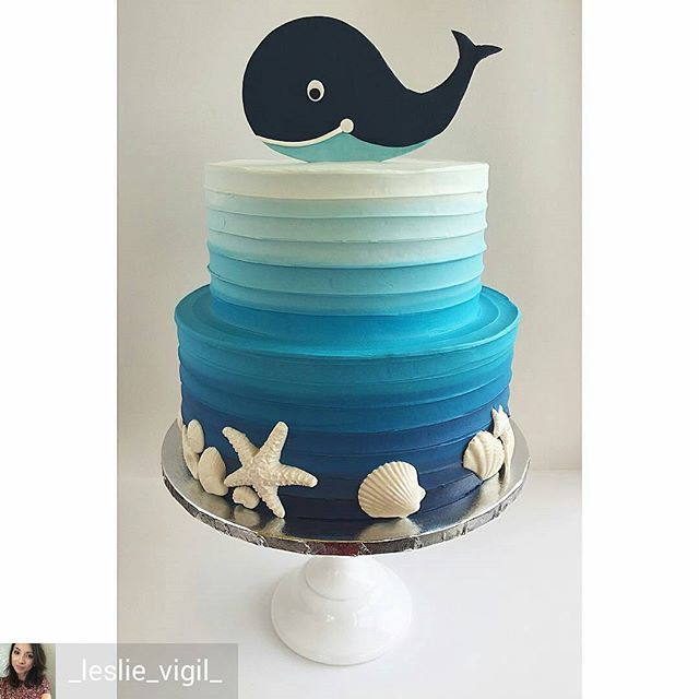 @Regrann from @_leslie_vigil_ -  Textured buttercream in gradient blues, white…