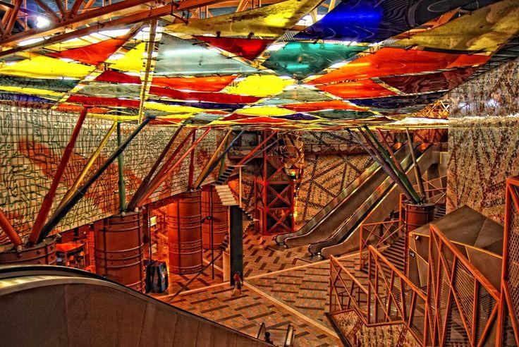 Lisboa, Portugal Projetado pelo arquiteto Tomás Taveira, achamativa estação das Olaias, emLisboa,é conhecida na Europa como uma das melh...