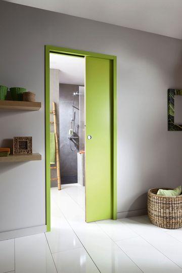 Une porte coulissante à galandage isolante - 15 portes coulissantes belles et fonctionnelles - CôtéMaison.fr