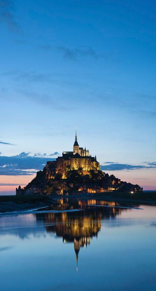 A partir du 20 jusqu'au 23 mars 2015, le Mont-Saint-Michel redevient une île pendant les grandes marées ! Un spectacle époustouflant à découvrir en famille.