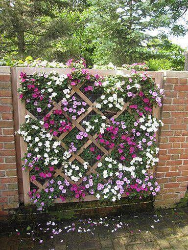jardim suspenso de flores madeira