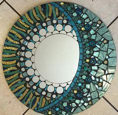 16 aqua y pálido oro brillo espejo de mosaico por SolSisterDesign