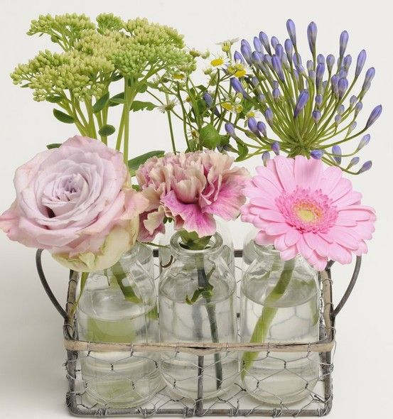 Uuuu que bonito  http://casildasecasa.files.wordpress.com: Glasses, Vintage, Style Bottles, Glass Bottles, House, Flowers, Garden, Products