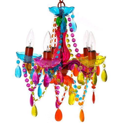 Acryl Kristalle Und Viele Farbenfrohe Kunststoffketten Glitzern In Barocken  Formen Und Bunten Farben.