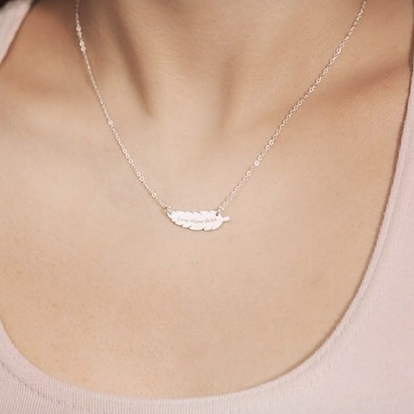 Delicate feather necklace  #love #hope #faith ❤️ #feathernecklace #feather #delicatejewelry #personalized #silver #etsy #personalizedjewelry #lettering #silvernecklace #rosegold #goldnecklace #nameplate #namejewelry #jewelry #fashion #ootd #instamom #mothersday #giftforher #giftformyself #momsofinstagram #fashion #springfashion #friendship #cute #LUVINMARK