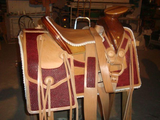 Silla para montara a caballo trabajo de talabarteria en for Sillas para caballos