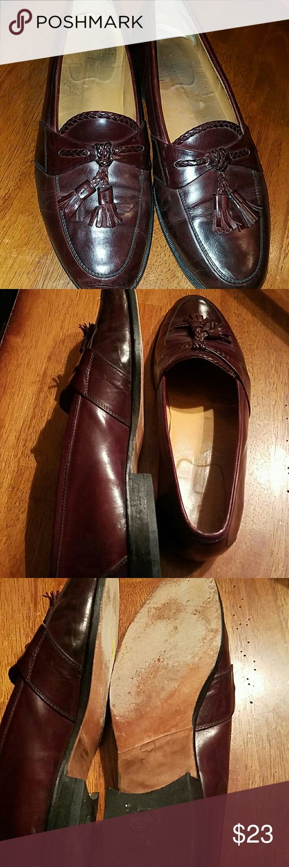 JOHNSON AND MURPHY ITALIAN MADE LEATHER SZ 10 Johnston and Murphy men's leather loafers made in Italy.  Excellent condition with minimal wear. From a clean non-smoking home. Thank you for looking Johnston & Murphy Shoes Loafers & Slip-Ons