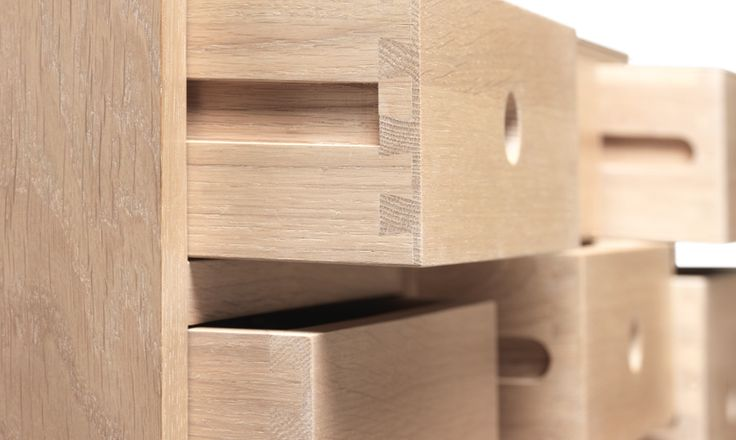 Lovely drawers details at a timeless and beautiful piece, inspired in Portuguese traditions. #contador #sideboard #oak #livingroom #console