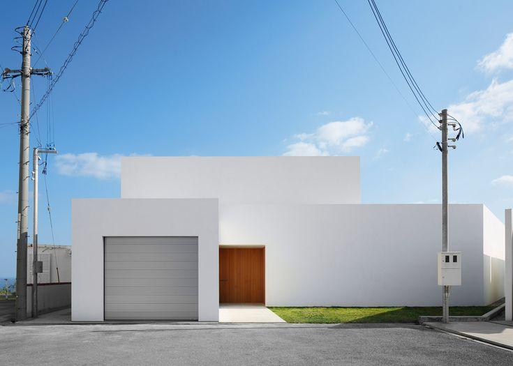 198 best white houses images on pinterest for Minimalist residential architecture