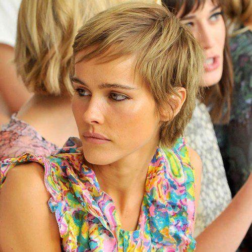 Heb je fijn haar en wil je een kort model laten knippen? Deze 12 korte kapsels laten zien welke modellen het beste bij jouw haar passen!