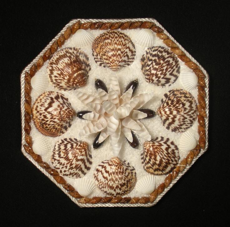 Seashell art sailor valentine octagon shell mosaic for Seashell mosaic art