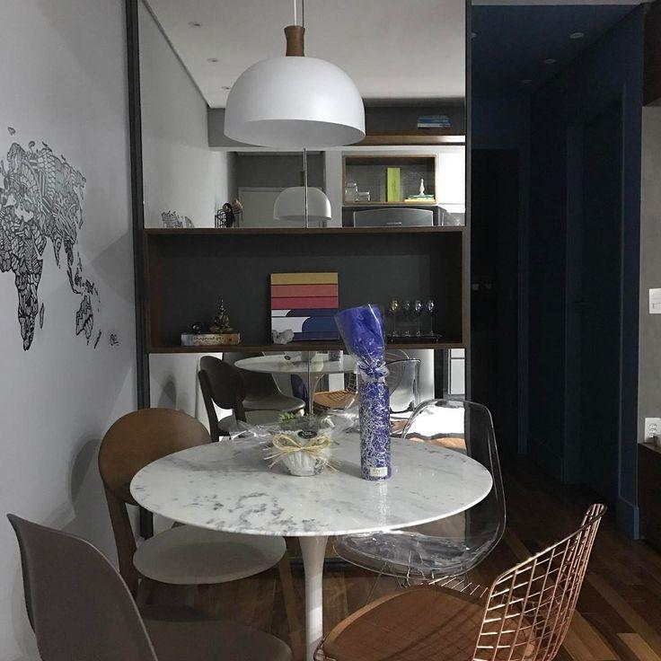 🏩Bom mesmo é chegar em casa meia noite e ser recebida assim! Tão bom ter amigos especiais! @leticiaborges_arquiteta obrigada, Le! você acertou em cheio!! 💛 #interiordesign #home #homedecor #homedesign #decor #decoracao #decorating #instacasa #instadecor #arquitetura #arch #arcdesign #arquitetura #arquitectura #arqlovers #archlovers #decorlovers #lifestyle #homestyle #decorstyle #interiorstyle #livingroom #livingroomidea #livingroomdecor #livingroominspo #livingroomdesign #arquitetura…