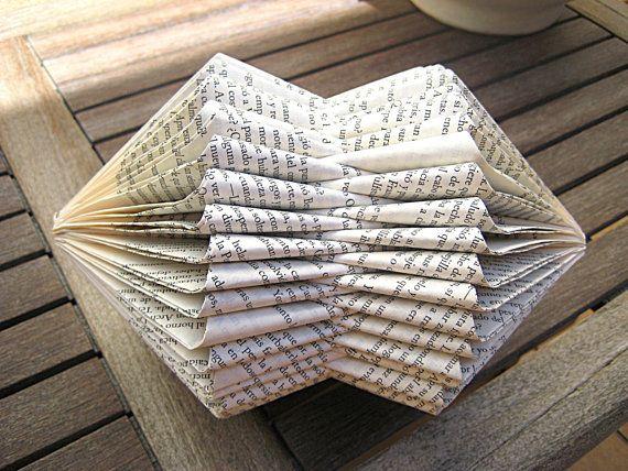 Buch-Skulptur++gefalteten+Book++Recycling+Buch++von+MalenaValcarcel