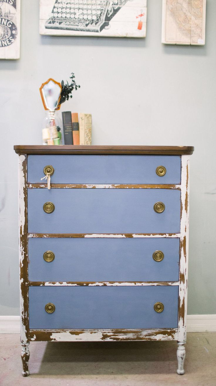 Miss Mustard Seeds Milk Paint in ironstone and Chalk Paint® Annie Sloan in Old Violet