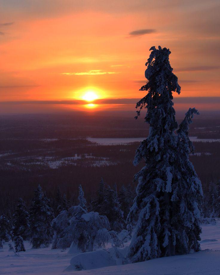 Sunrise in Aakenustunturi, Kittilä, Finland Photo by @virpula1