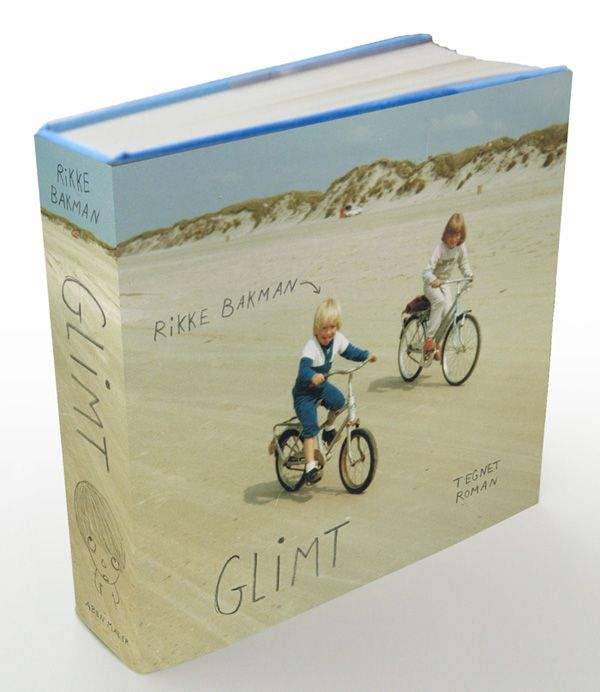 """Glimt"" a semi-autobiographical Danish graphic novel by Rikke Bakman... the cover art kinda helps keeping the superhero crowd away!"