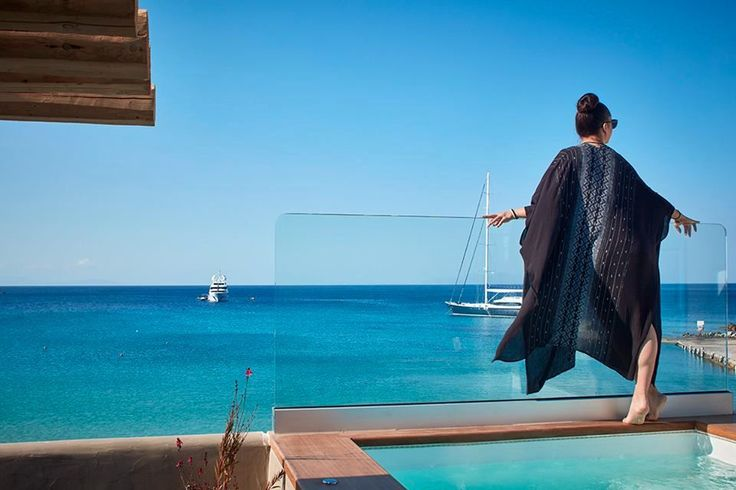 This is you in #Mykonos! Endless sunshine and gazing at the beauty of the sea and the sky! Book now your summer holidays at the Kosmoplaz Hotel!