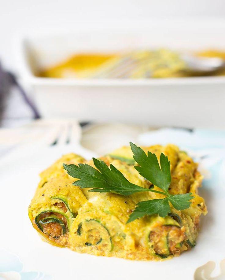 Vegan, gesund und lecker - gebackene Zucchiniröllchen mit Quinoa ist ein tolles Rezept für alle die es raffiniert und trotzdem einfach mögen!