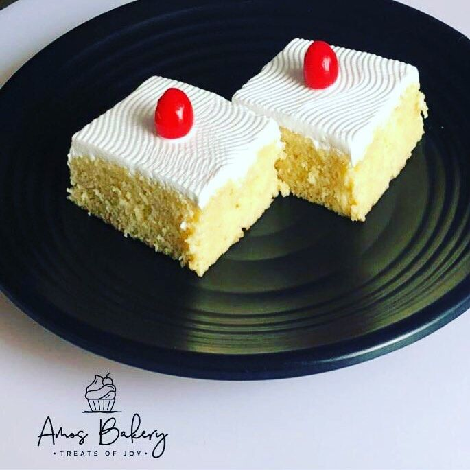 TRES LECHES CAKE (drei Milchkuchen) Es ist ein super leckerer, sehr feuchter und schwammiger …