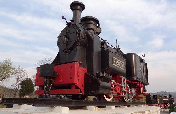 Prima locomotiva cu abur fabricata in Romania, la Resita in anul 1872.