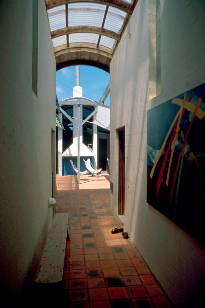 Te Horo Beach House (1986), Kapiti Coast, Moller Architects, winner of the 2014 Enduring Architecture Award.