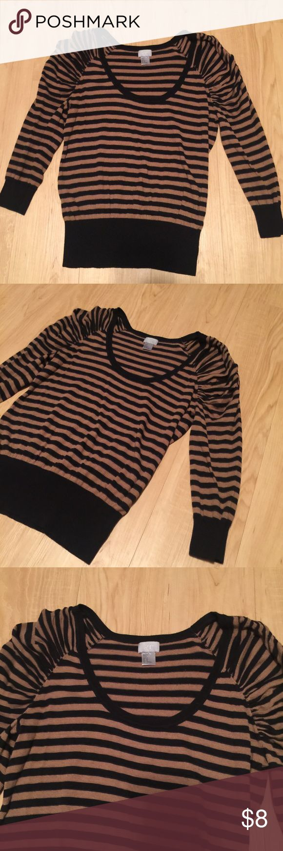 H&M Sweater Shirt Cute cute cute! Striped shirt that is low cut to show off your curves! Size medium, true to size, sweater does stretch. Also very soft. No flaws or defects. Bundle!! Boots for sale too! H&M Tops Tees - Long Sleeve