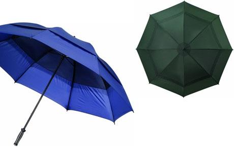 Paraguas anti-tormenta de doble capa con varillas y mástil en fibra de vidrio. La superposición de las dos capas permite que el aire pase a traves de ellas y evita cualquier riesgo de que se de la vuelta el varillaje.