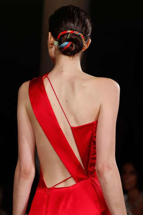 Amazing back detail at the Sophie Theallet Spring 2014 NYFW!  Repinned by www.fashion.net