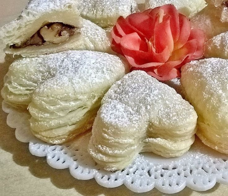 Cuoricini di sfoglia: gustosi e bellissimi da vedere. Ottimi per sorprendere chi ami !   ( una ricetta di La Cucina Pugliese )