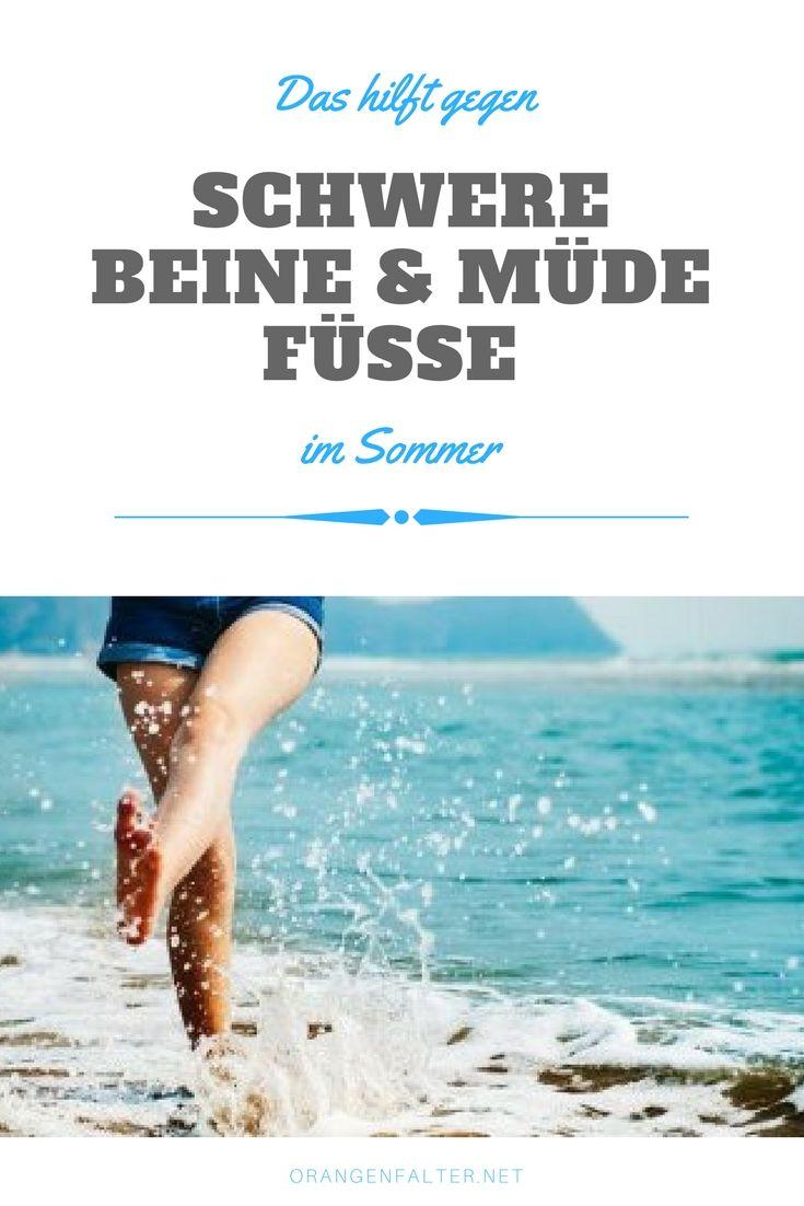 Viele Menschen klagen im Sommer über schwere, müde Beine und Füße. Doch woher kommt dieses Gefühl und was können wir dagegen tun?