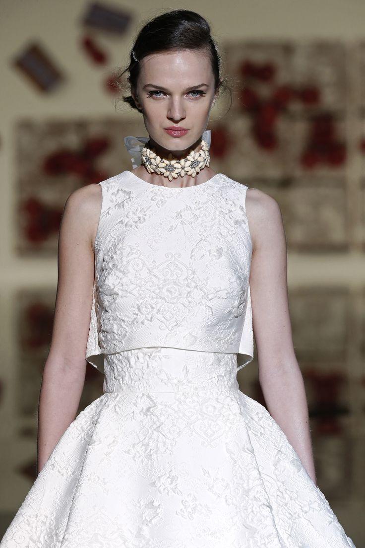 Vestido de novia blanco dos piezas de Jesús Peiró.