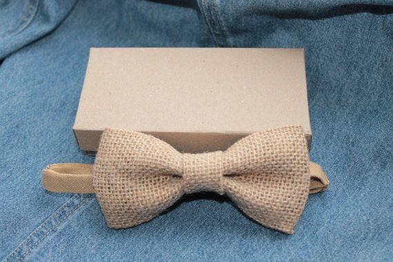 Toile de jute naturelle mariage noeud papillon / jute archet cravate pour les hommes / noeud papillon avec une épingle ou un mariage pretied / rustique marié /hair accessoire noeud papillon