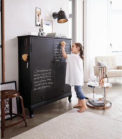 Spectacular Schreib us doch einfach auf den Schrank Der ist komplett mit schwarzem Tafellack beschichtet und mit Kreide beschreibbar Details Iim Stil eines alten