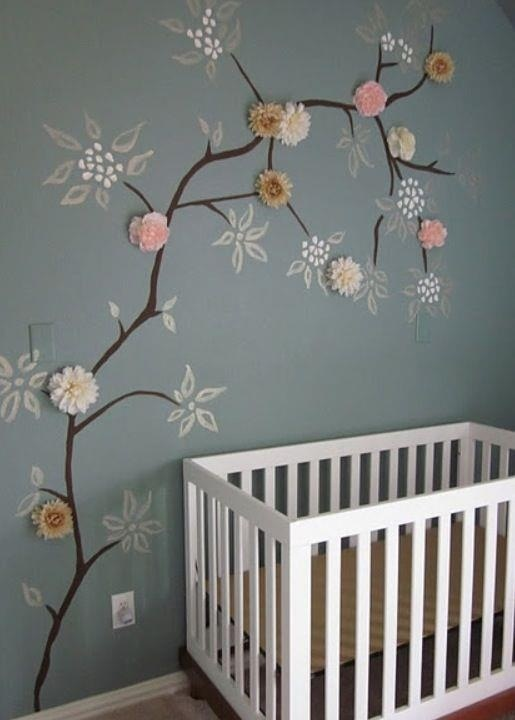 Nice and easy wall decoration for a baby bedroom