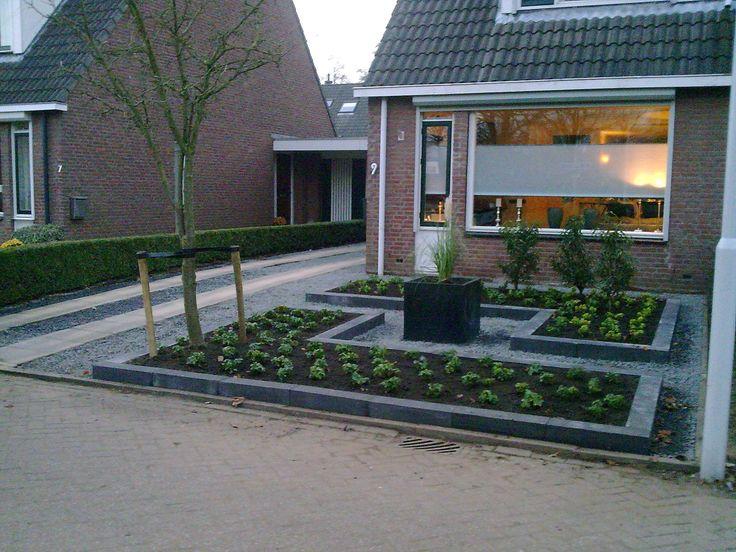 Voortuinen voorbeelden met bloemen google zoeken tuin for Mooie voortuinen foto s