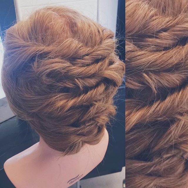 🎄Perfect Holiday Up Do for a Fancy Christmas Party🎄