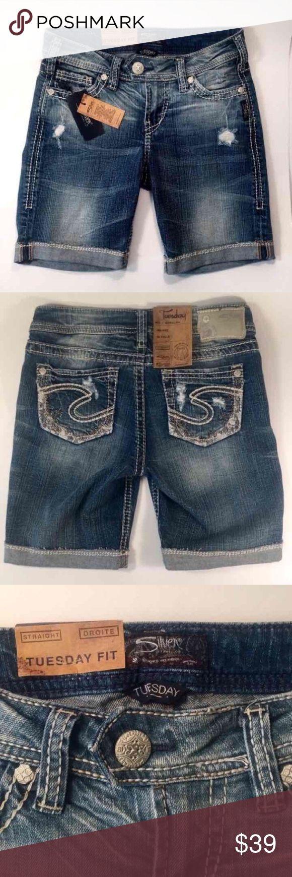 Silver Jeans Tuesday Bermuda Shorts Women's straight, mid-rise Tuesday Bermuda Jean Shorts, size 26. Silver Jeans Shorts Jean Shorts