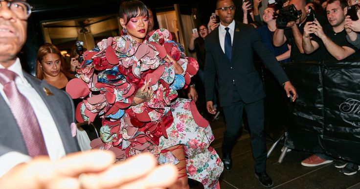 The Best Met Gala Street Style, Spotted Outside The Carlyle Hotel