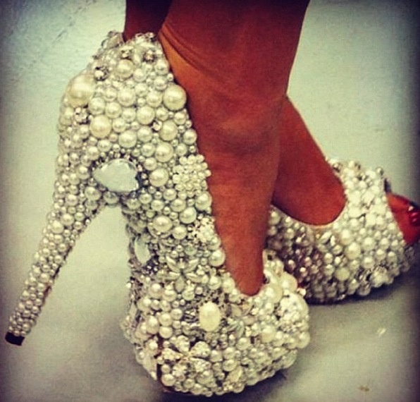 Custom design pearl and crystal Glamour Shoes... ❤