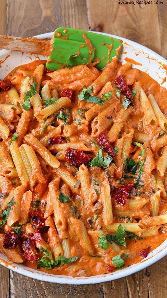 Cheesy Mozzarella Penne Rosa Pasta mit sonnengetrockneten Tomaten in 25 Minuten gemacht! S …