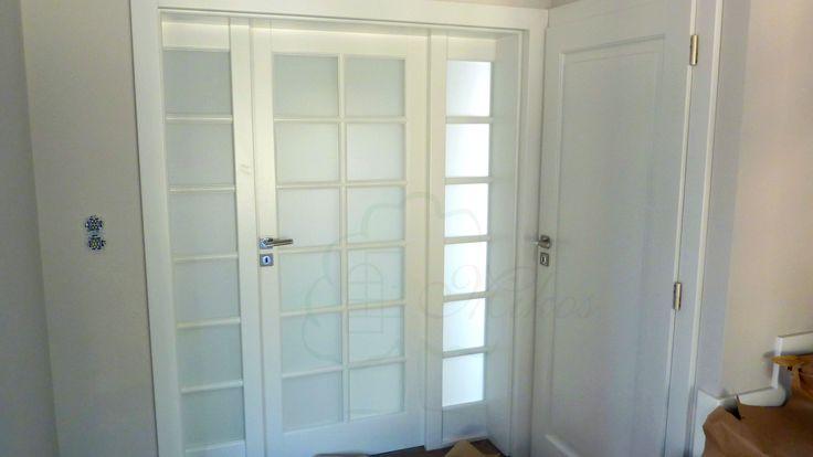 Drzwi białe z dostawkami