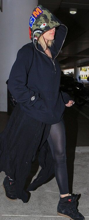 one of dash dolls | kardashian-jennerempire:   Khloe at LAX - 10...